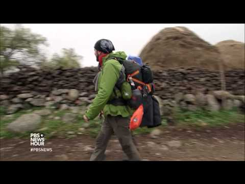 Journalist goes on a walk around the world to find the story of humanity