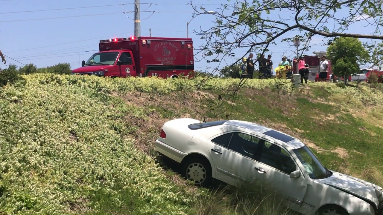 Car Crashes Down Embankment In Carlsbad May 14 2017 Youtube