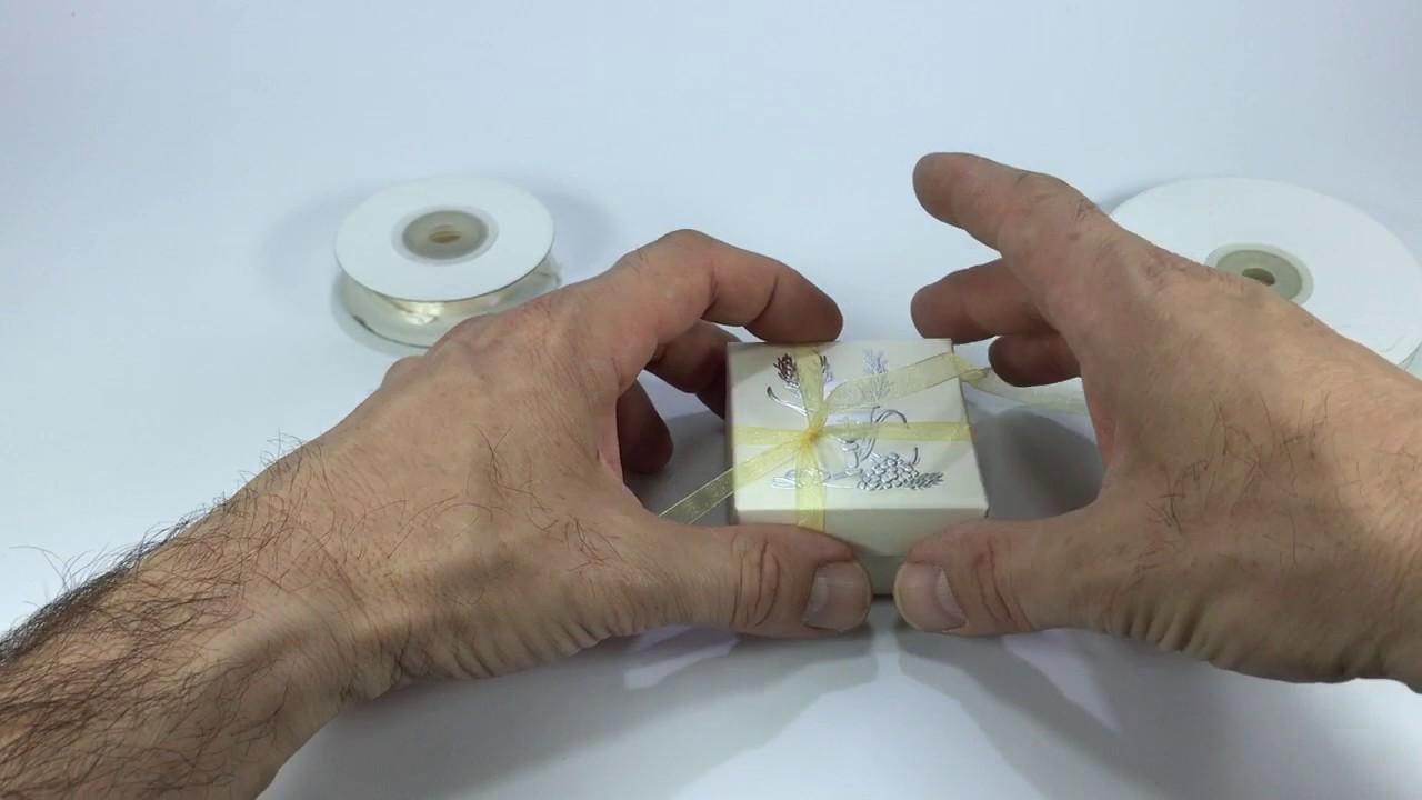 Confezionare bomboniera prima comunione youtube for Regalo oggetti usati