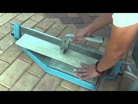 How to Cut Porcelain Tiles With a Tile Cutter