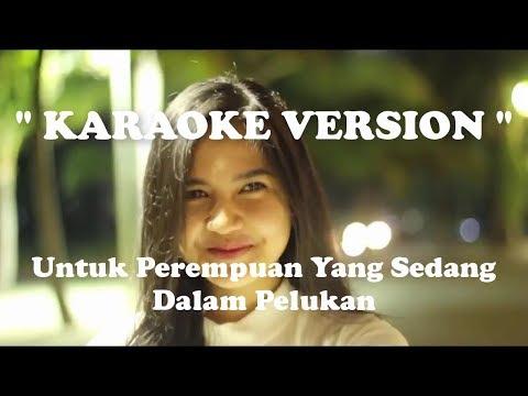 Download Lagu Payung Teduh Untuk Perempuan Yang Sedang Dalam Pelukan Mp3 Mp4 Lirik dan Chord Lengkap   Lagurar