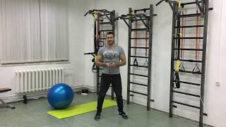 Комплекс упражнений для ежедневных тренировок: сгибание ног с мячом и подтягивание на турнике!