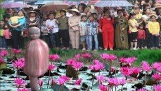 Kỳ Lạ Đầu Người Mọc Trên Bông Hoa Súng Khiến Cả Làng Nơm Nớp Lo Sợ