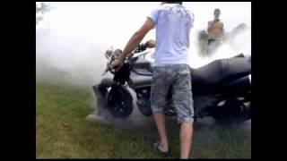 Yamaha MT01 burnout