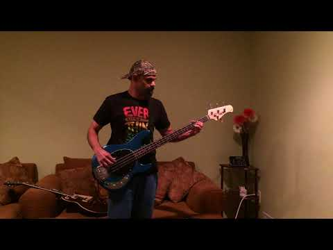Bass Play Along-PinkFloyd-Money