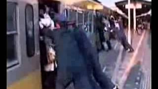 СМЕШНОЕ/ПРИКОЛЫ - Китайское метро