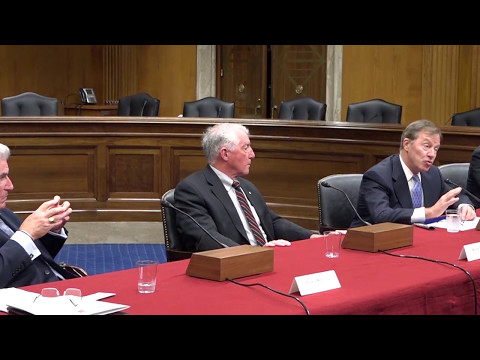 Ret. USM officers deliver congressional briefing on Cuba