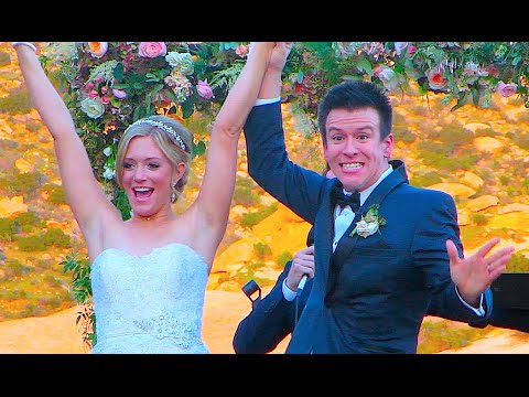 The wedding picture of�Phillip DeFranco and Lindsay Jordan Doty