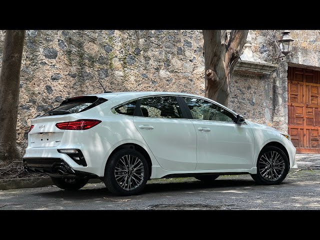 Nuevo KIA Forte Hatchback 2022