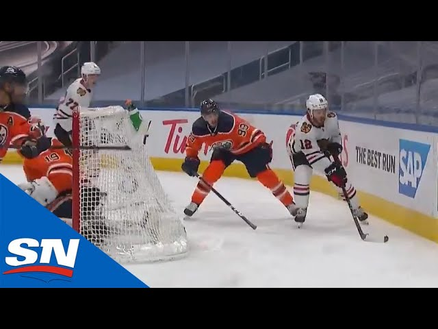 Alex DeBrincat Sets Up Patrick Kane For Easy Goal With Slick No Look Pass