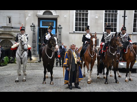 Sheriffs of the City of London visit Stationers' Hall on horseback