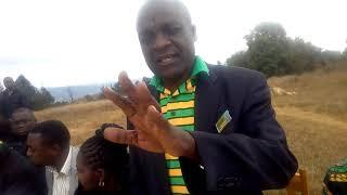 KATIBU CCM W-NJOMBE Antony Katan, Awaambia wananchi wa mtaa wa peruhanda na makula watunze mradi wa