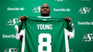 Vince Young Signs in CFL with Saskatchewan