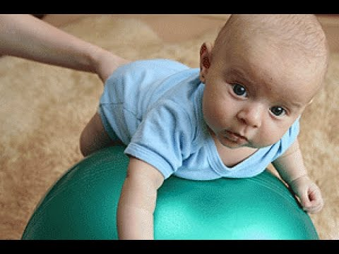 Упражнения с мячом для детей - YouTube