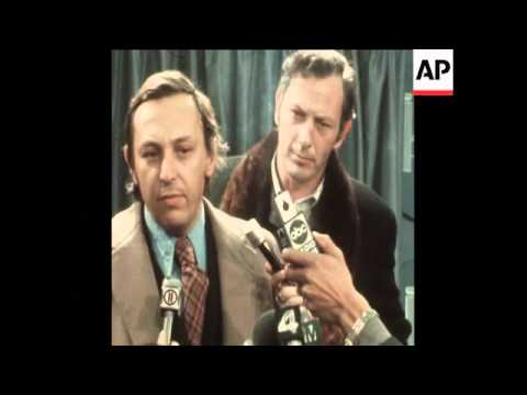 SYND 27-1-72 HOWARD HUGHES BIOGRAPHY AUTHOR, CLIFFORD IRVING, PRESS CONFERENCE
