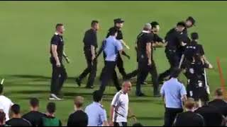 Mali: Cristiano Ronaldo saute sur un policier chinois