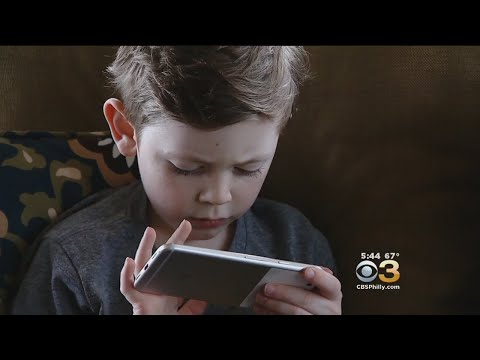 Concern Blue Light From Digital Screens Can Cause Long-Term Damage To Eyes