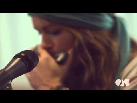Angus & Julia Stone  Big Jet Plane   at OnAirstreaming