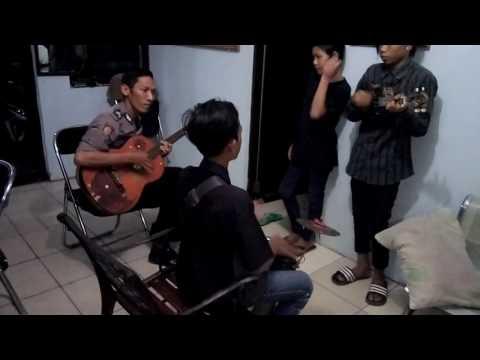 Gerange Tresna duet polres Indramayu vs pengamen jalanan