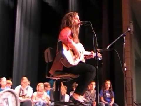 American Idol contestant Holly Miller sings Superstition at Vinton County Middle School