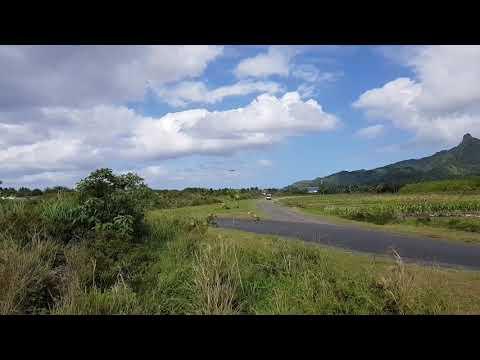 Air New Zealand Boeing 777-200 landing at Rarotonga airport