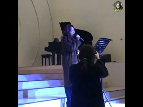 """Sejeong Gugudan Singing """"I Choose To Love You"""" In VIXX Manager's Wedding [190216]"""