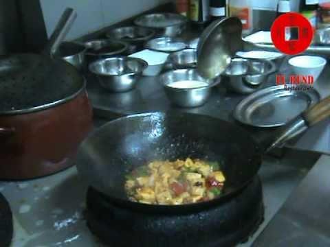 Cocina china c mo cocinar el tofu youtube for Como cocinar el tofu fresco