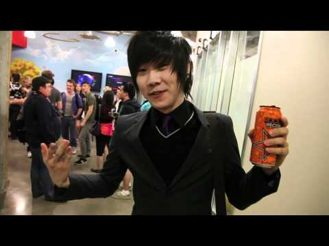 Rockstar Recovery Orange Taste Test with Shimmy