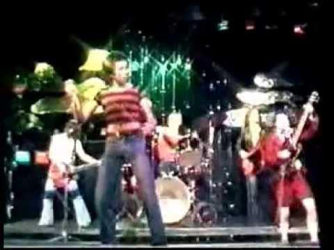 AC-DC - TNT (Bon Scott Live,  Aussie TV, 1976)