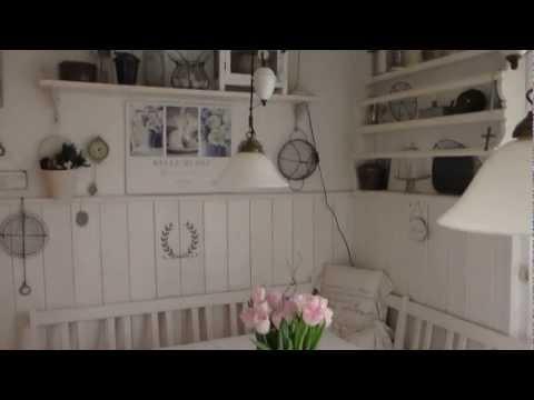 HEIDI ´SHOMEShabby/Vintage/weiße Sitzecke in der Küche mit Tellerboard