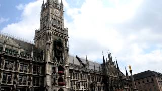 アキーラさん⑤ドイツ・ミュンヘン・新市庁舎の正午の鐘Munich,Germany