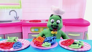 MAKING COLORFUL SPAGHETTI! -In- Green Baby Play Doh & Clay Stop Motion Cartoons For Kids