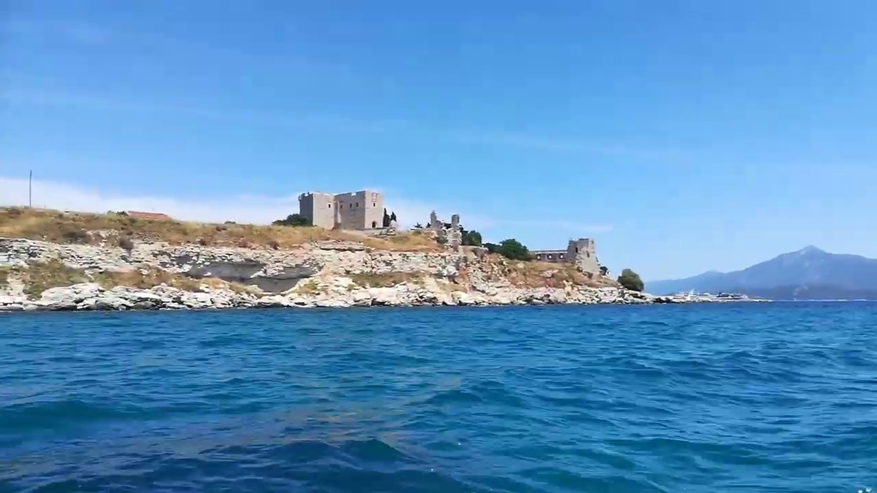 Boat trip from Pythagorio along the beautiful coastline to Kasonisi