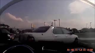 【 悲報 】駐車場での老人の運転が酷いよ~♪ 縦横無尽~♪やりたい放題~♪