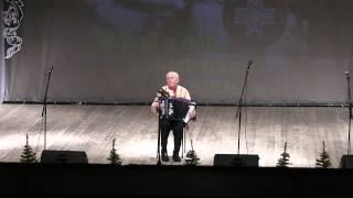 Гармонист Михаил Журавлёв.г.Ижевск.7.01.2015г