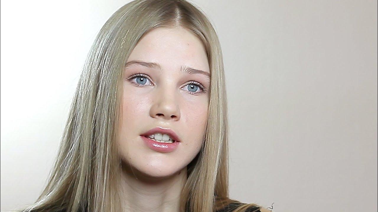 показать на видео занятие любовью со скромной русской девушкой