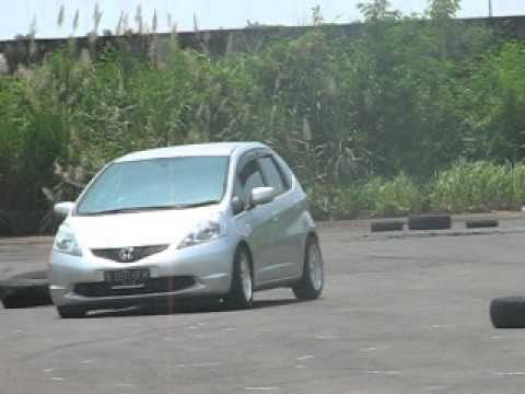Honda Jazz Slalom & Drift