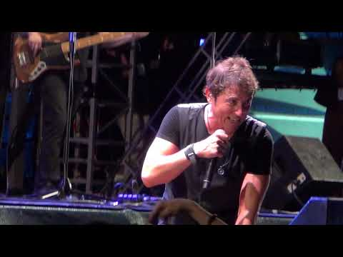Manel Fuentes - Dancin In The Dark (Springsteen Cover)(Gijón 09-08-2019)