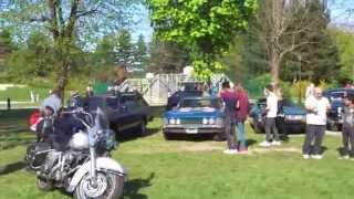 Visite de l'exposition de voitures et motos américaines de légende à Drancy