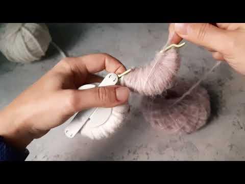 Как сделать помпон при помощи помпошницы ))