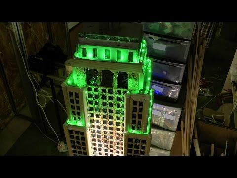 Scultura Empire State Building In Legno e Resina Con Dragon e Spiderman 17