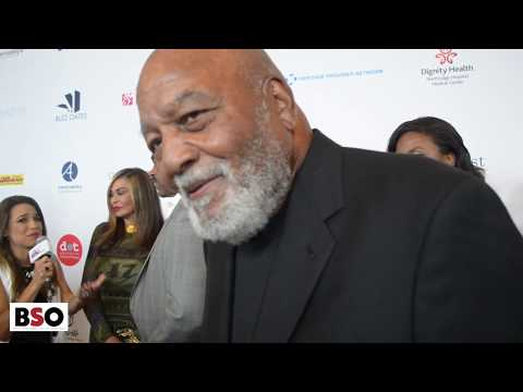 "Jim Brown Says the Black Community Should ""Emulate Jews"" To Do Better"
