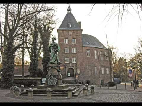 Cities of Germany ,Moers, buildings, park ,leisur­e, tourism, history,women