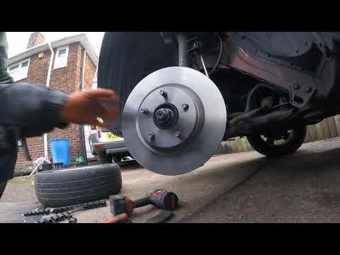 How to change Nissan Qashqai brake discs / Как поменять тормозные диски Nissan Qashqai