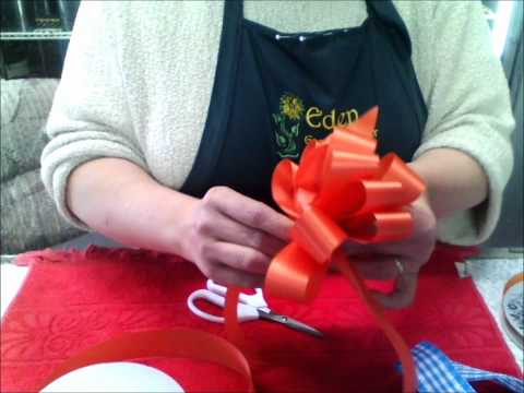 DIY Flower Time - How to Make a Basic Floral Bow, Part 2