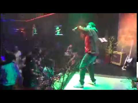 Live Performance---Chainz hang low