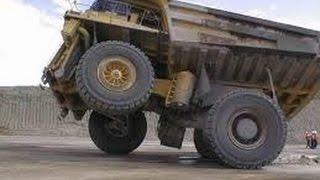 Неудачи больших машин на дорогах / Failures of large machines on roads(На этом канале Вы увидите: подборки приколов, приколы, нарезка приколов, приколы про животных, приколы..., 2015-07-15T14:45:20.000Z)