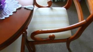 Mahogany Dinning Table And Six Chairs (carvers)