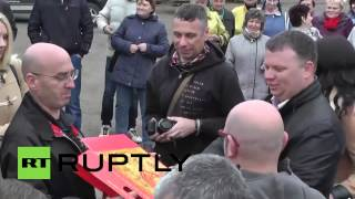 Russia: Italian antifa ska-punkers rock with Russian Communist Party