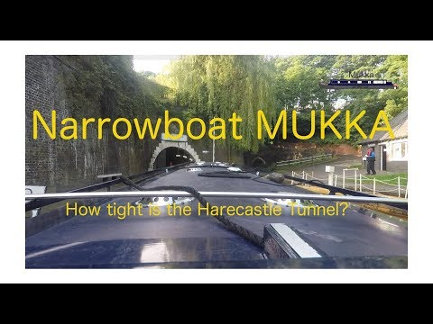 Narrowboat Mukka  - How tight  is the Harecastle Tunnel?